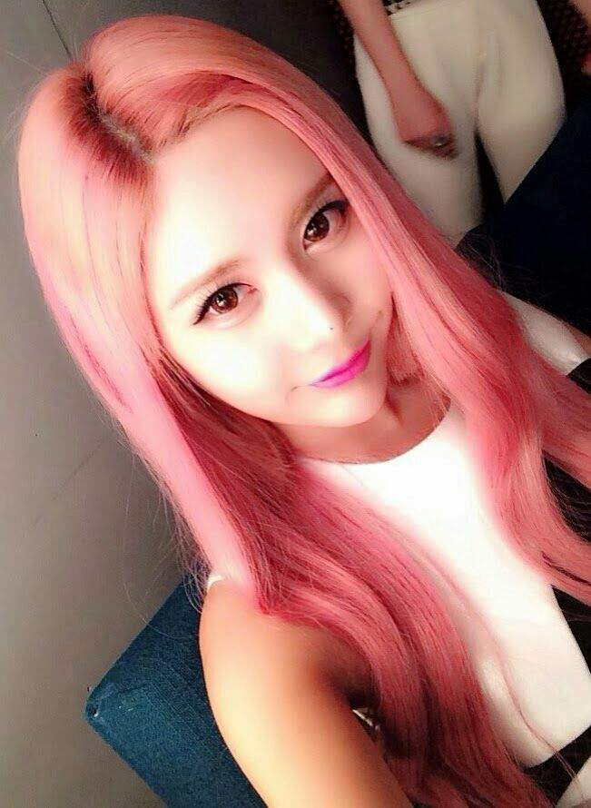 Pink Hair Which Idol Looks Best With Pink Hair K Pop Amino