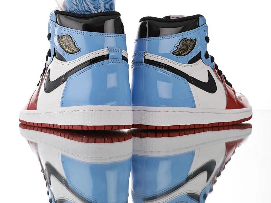 Jordan 1 Retro High Fearless UNC Chicago (9)
