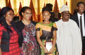 From left: Principal, Oritamefa Baptist Model School, Ibadan, Mrs Elizabeth Abatan, Mother of the overall 2017 WAEC best student in Nigeria, Dr Chiaka Irabor, overall 2017 WAEC best student in Nigeria, Miss Isabele Iraboh, Gov. Abiola Ajimobi of Oyo state and 2nd overall 2017 WAEC best student in Nigeria, Master Oluwatoni Adekunle after they were recognized at the launching