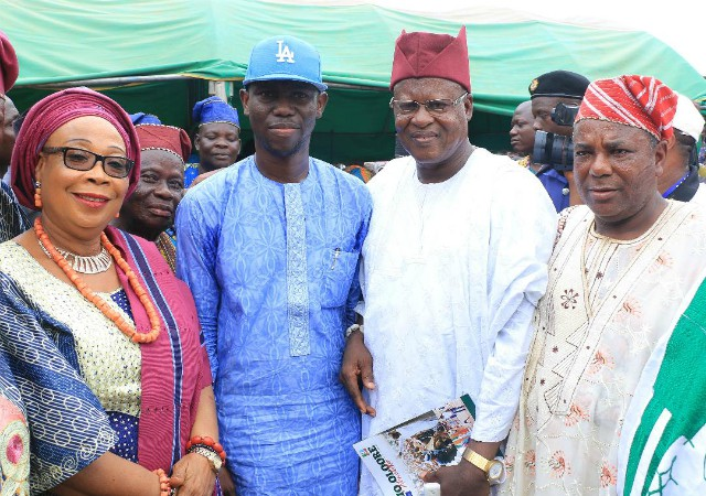 From left: Iyaloja of Ibadan Land, Alhaja Iswat Ameringun, Hon. Adedapo Lam Adesina, Babaloja of Oyo State, Alhaji Dauda Oladapo and a guest during the event