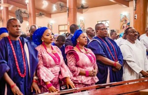 L-R: Children of late Justice Pius Aderemi: Mr. Ladi Aderemi, Snr Magistrate Sunmbo Adetuyibi, Mrs. Bimbo Aderemi and Mr. Kunle Aderemi'; with Oyo State Governor, Senator Abiola Ajimobi, during the funeral service for the deceased, at St. James Catholic Church, Oke-Ado, Ibadan...