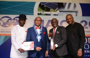 L-R: Lead, Subsurface Shallow Water, Shell Nigeria Exploration and Production Company (SNEPCo), Kefe Amrasa; Outgoing Chairman, Nigeria Council of the Society of Petroleum Engineers, Chikezie Nwozu; Managing Director, Shell Nigeria Exploration and Production Company, Bayo Ojulari and Shell's Vice President, Health, Safety and Environment, Osa Igiehon, at the presentation of The Best Exhibitor Award to Shell at the just-concluded SPE Nigeria annual conference and exhibition in Lagos...