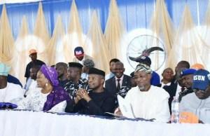 Vice President, Prof. Yemi Osinbajo, SAN, (3rd right); Governor State of Osun, Ogbeni Rauf Aregbesola (2nd right); his deputy, Mrs Titi Laoye-Tomori (3rd left); Minister for Heath, professor Isaac Adewole (right); All Progressive Congress (APC), Governorships Candidate, Alhaji Gboyega Oyetola (left); Secretary All Progressive Congress Osun (APC), Alhaji Rasaq Salensile (2nd left), during the launching held inside Elementary School, Opp. Iwo Local Govt. Secretariat, Iwo on Monday…