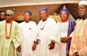 Governor State of Osun, Mr. Gboyega Oyetola (2nd left), Orangun of Ila, Oba AbduWahab Oyedotun (middle), his wife, Olori Abosede Oyedotun (2nd right), Orangun of Oke Ila, Oba Adedokun Abolarin (left), and Onirun of Oke-irun, Oba Issac Adetoyi Adetulurese (right), during the visit…