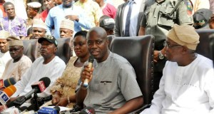 From right, Oyo State's Deputy governor-elect, Engr Raufu Olaniyan, governor-elect, Engr Seyi Makinde, his wife, Omini, PDP State party chairman, Alhaji Kunmi Mustapha and Oyo South senator-elect, Dr Kola Balogun during the press conference…