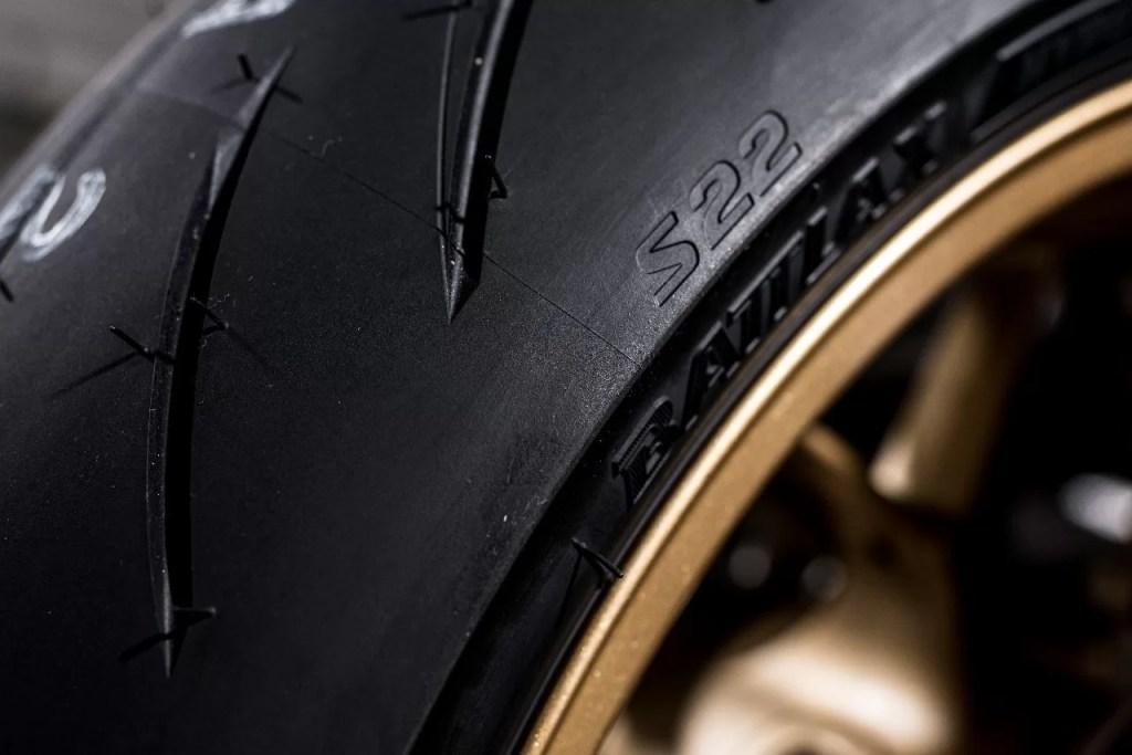 Bridgestone Battlax Hypersport S22