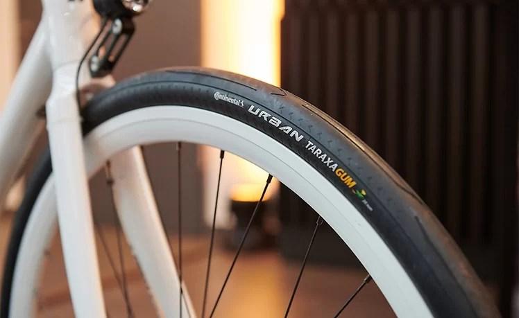 Continental_na_Tour_de_France_2019_s_novou_limitovanou_serii_cyklistickych-pneumatik- (1)