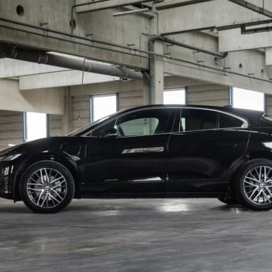 Jaguar-I-PACE--AEZ-Panama-dark-02