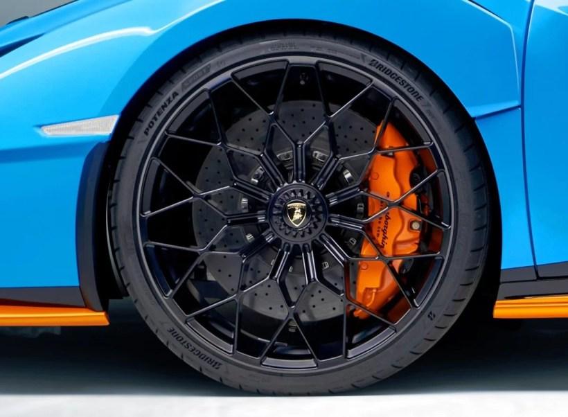 Bridgestone_Potenza-Lamborghini_Huracan-STO-3