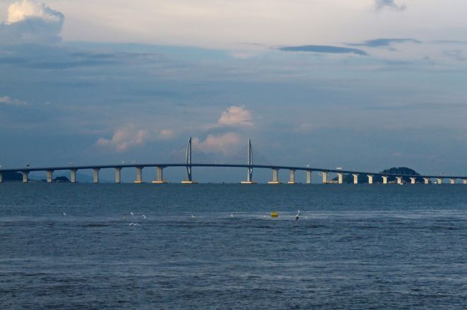 West section of Hong Kong-Zhuhai-Macau Bridge