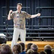 Singing Zoologist Entertains Elementary Students