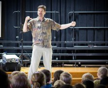 Singing Zoologist Entertains Elementary Students