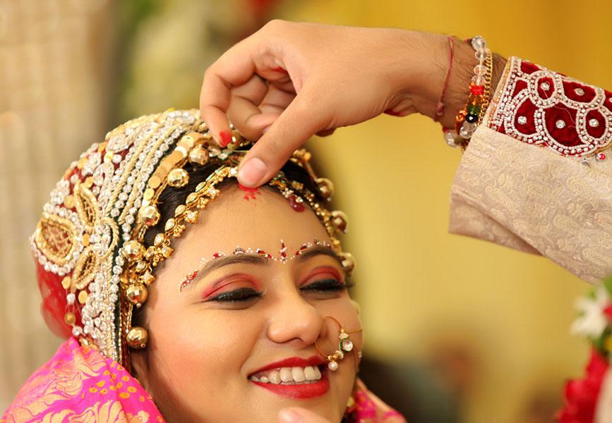 विवाहित महिलाले प्रयोग नगर्नुहोस यस्ता सिन्दुर, पतिको हरेक काममा आउनसक्छ बाधा !