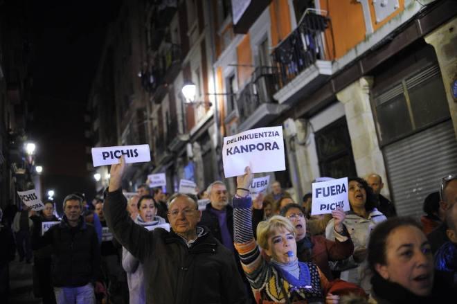 manifestacion-contra-los-pichis