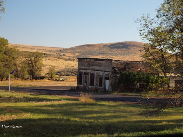 Abandoned building in Antelope, Oregon