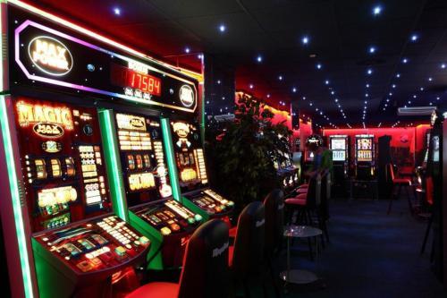 Игровые автоматы миллионники 24 игровой автомат на деньги рубли