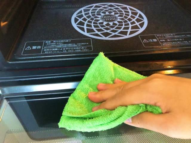 電子レンジから悪臭!電子レンジの臭いを取るにはどんな掃除が良い?