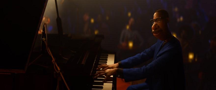 Joe Gardner, voiced by Jamie Foxx, playing the keyboards