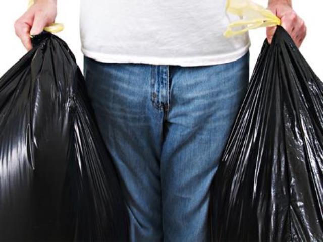 Почему нельзя выносить мусор после захода солнца