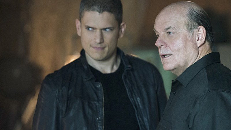 Review | Flash 2×03: Family of Rogues