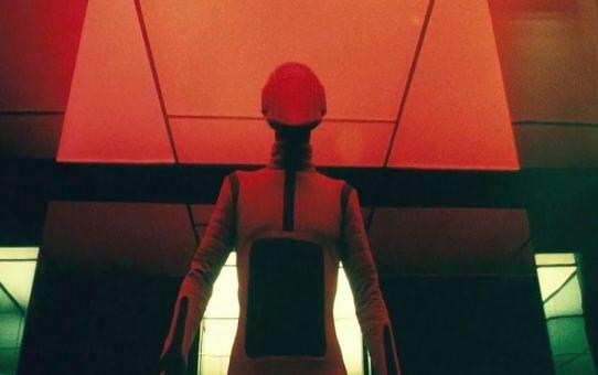 Sci-Fi | Além do Arco-Íris Negro (2010)