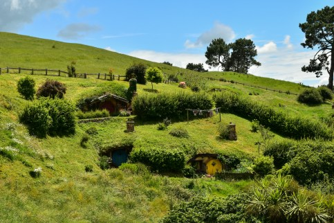 A Journey to Hobbiton, New Zealand. – Pocket-sized Adventures