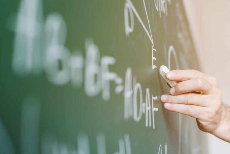 オンライン授業に使うポケットWiFiでは通信速度が最も重要