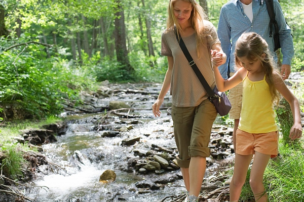 Cool Fun Family Hiking in the poconos lehigh gorge