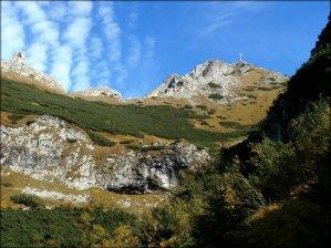 Widok na Giewont z Doliny Małej Łąki - październik 2012
