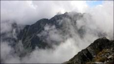 Spojrzenie na Granaty w otoczeniu chmur - 12 sierpnia 2013
