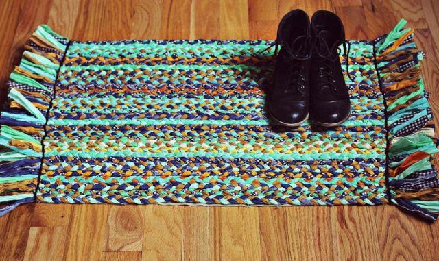 Fonott szőnyeg - eredeti és egyszerű ajándék nagymamának