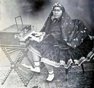 piano lady asmat oldowleh