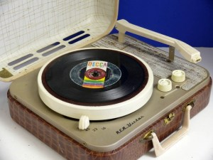 portable-record-player-1950