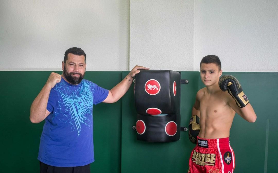 Enzo, 15 ans, champion de boxe thaï en quête de gloire