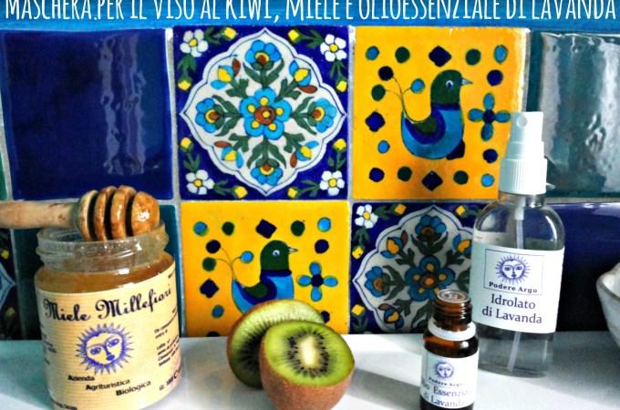 Maschera per il viso fai da te al kiwi, miele e lavanda