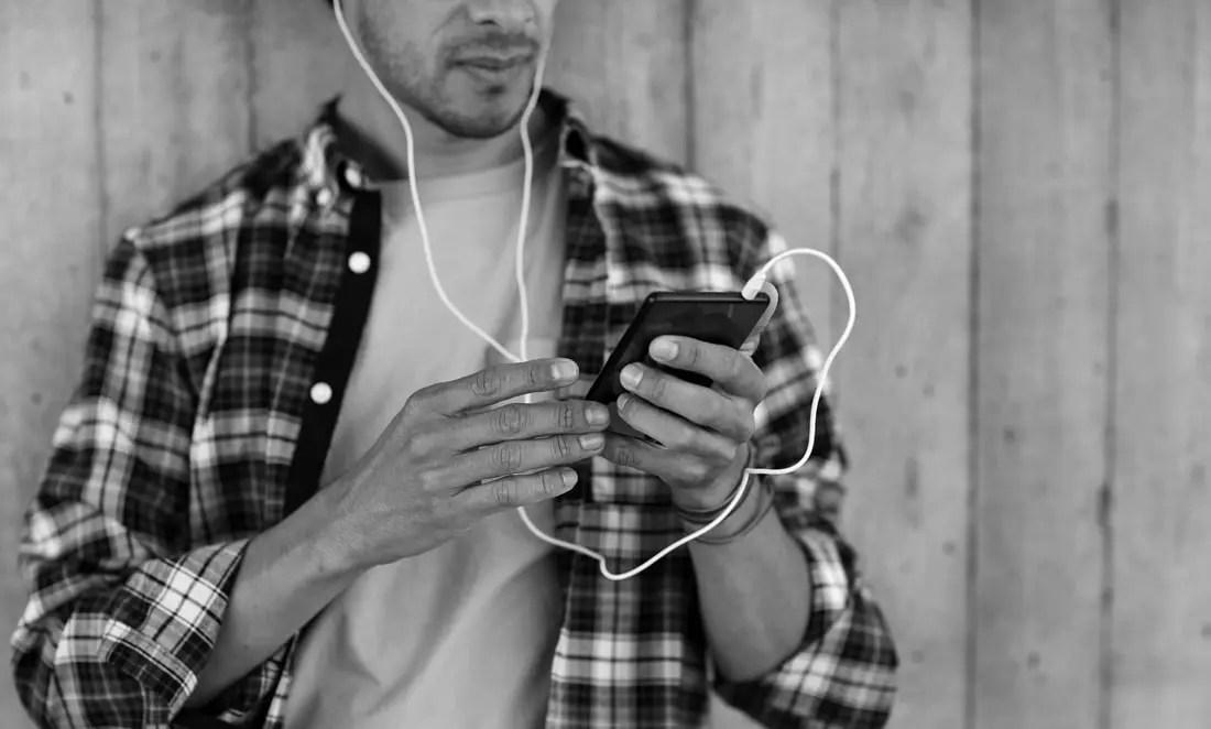 Podcast Distribution: So veröffentlichst du deinen Podcast bei Spotify und Co.