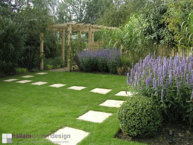 proj.: Hallam Garden Design: ścieżka do warzywnika