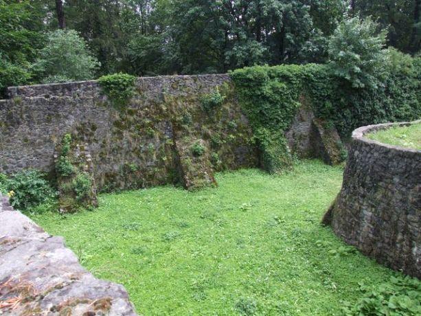 Mury zamku Frydlant