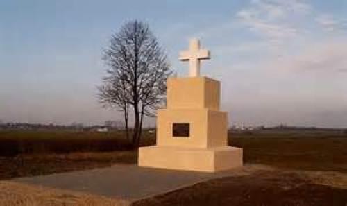 pomnik w grochowicach