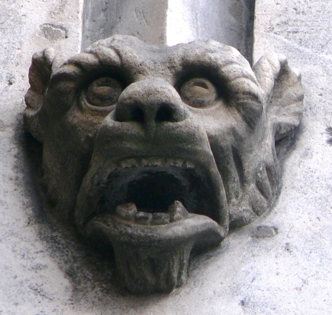 katedra fasada główna maszkaron3