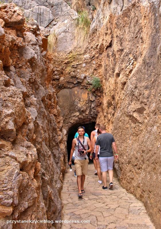 torrent de pareis_majorka_hiszpania_tunel
