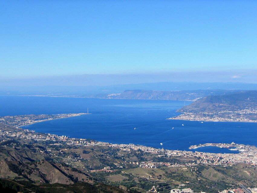 Stretto si Messina. Wikimedia Commons by Di Edd48 - Opera propria, CC BY-SA 3.0