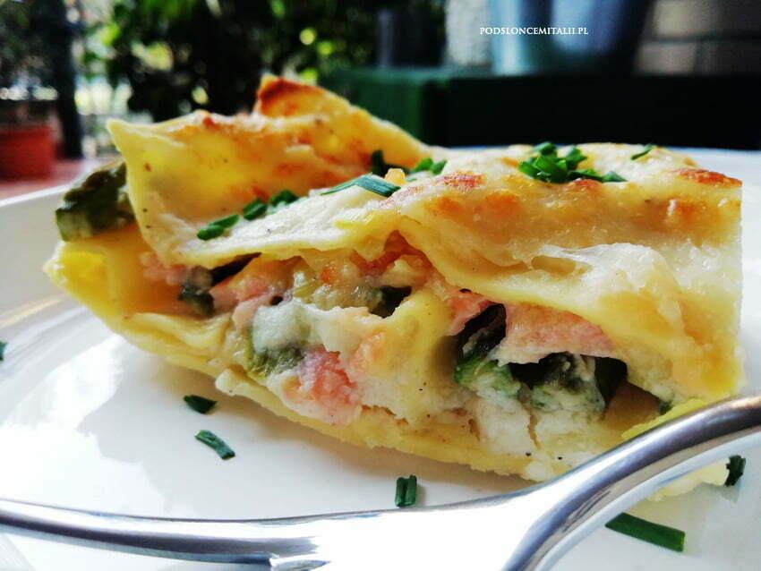 Lasagne ze szparagami, porem i wędzonym łososiem
