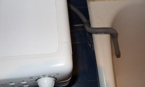 Слив воды из стиральной машины в ванну