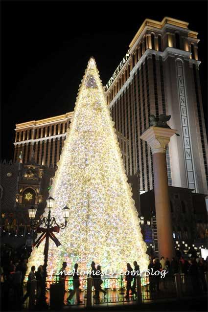 Christmas Tree at the Venetian