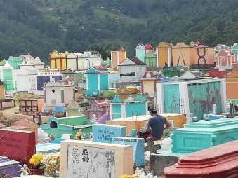 Cementerio Santiago de Atitlan