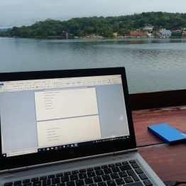 Mi escritorio desde el hotel