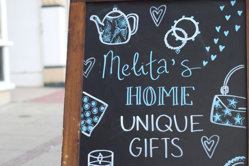 Melitas Gifts Sign
