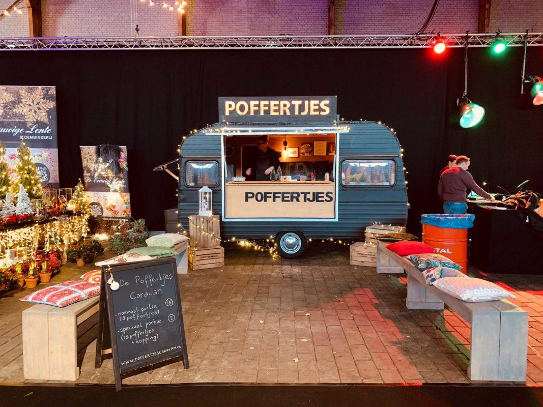 Pop-up foodhallen met de poffertjescaravan