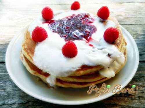 Pancakes cu zmeura (clatite americane cu zmeura)